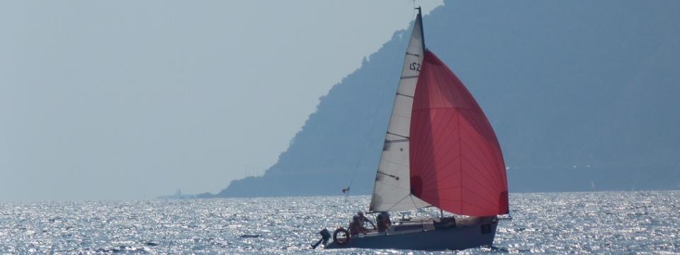 perfeziona la vela: navigare con il gennaker