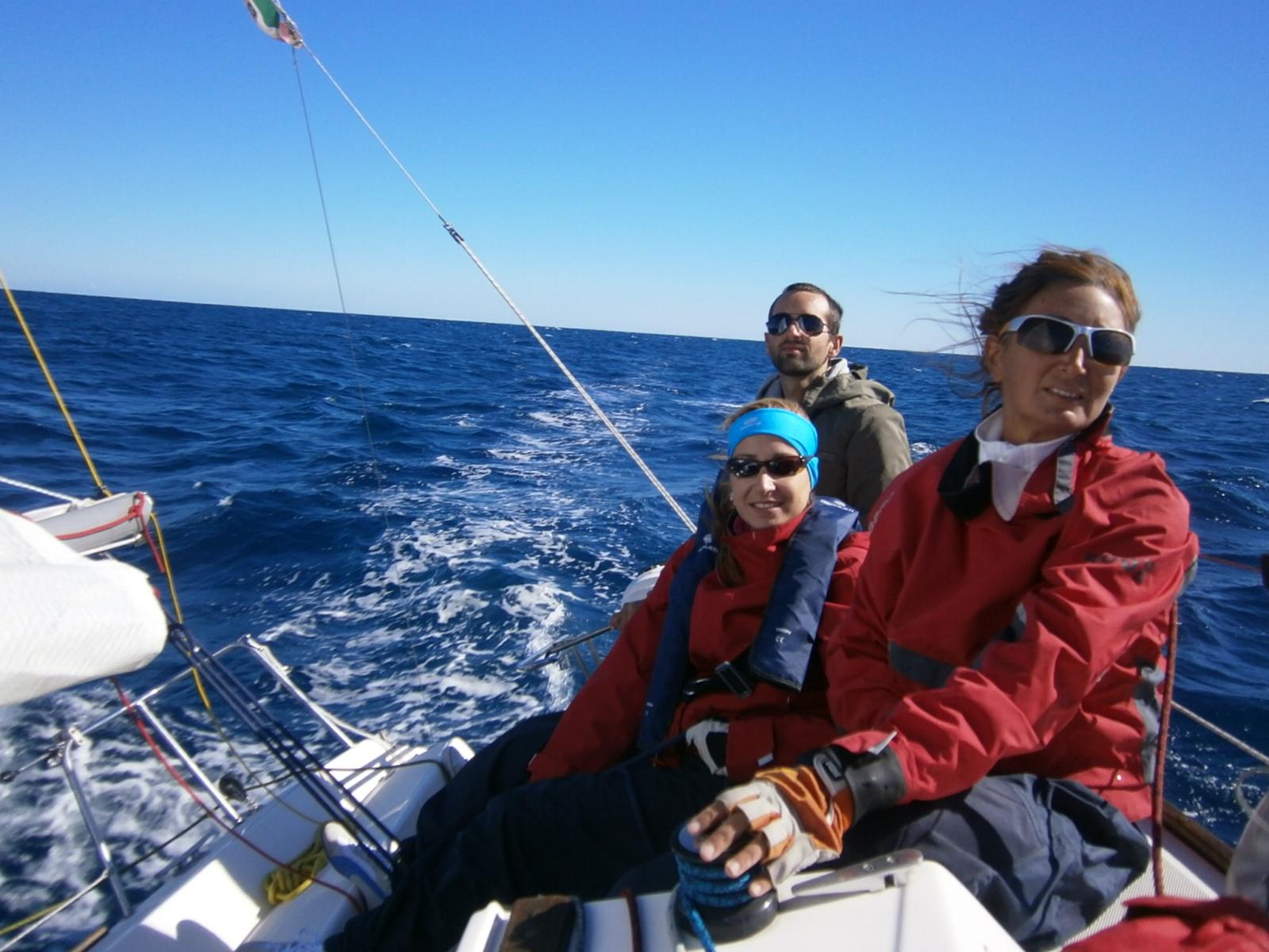 week end a vela: amici in barca
